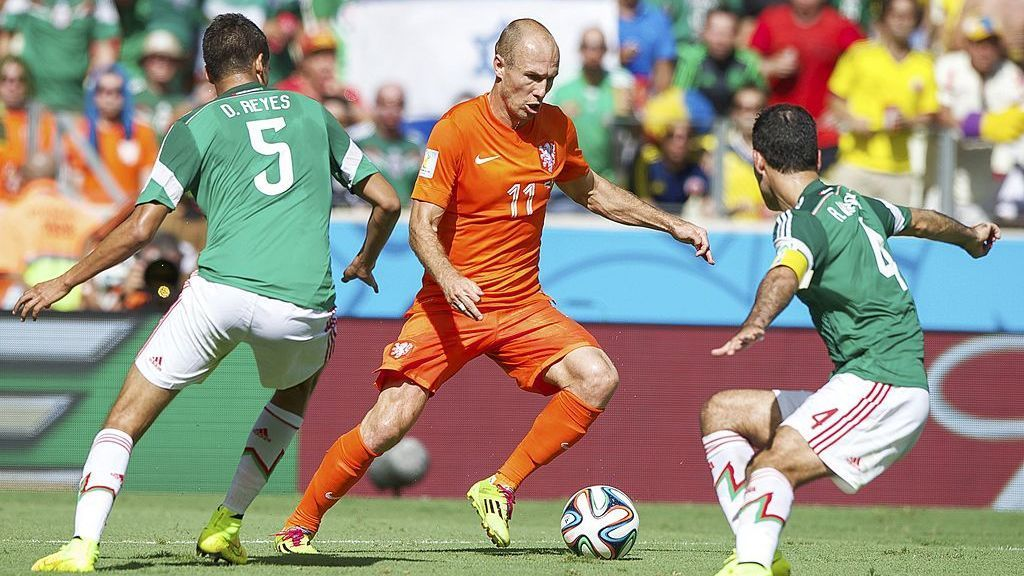 Robben villain of Mexico in 2014 hangs up his boots