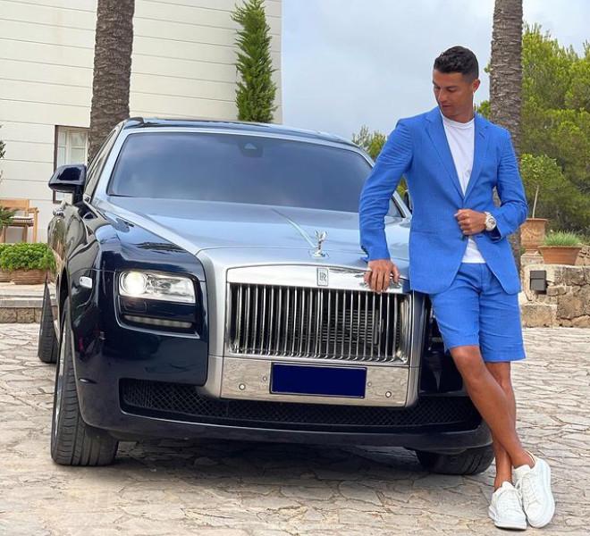 Cristiano Ronaldo - PSG - Rolls-Royce Ghost - Instagram - Juventus