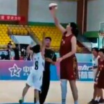 VIDEO. This is the 14-year-old Chinese basketball player who measures 2.26 meters and who went viral in networks | News from El Salvador