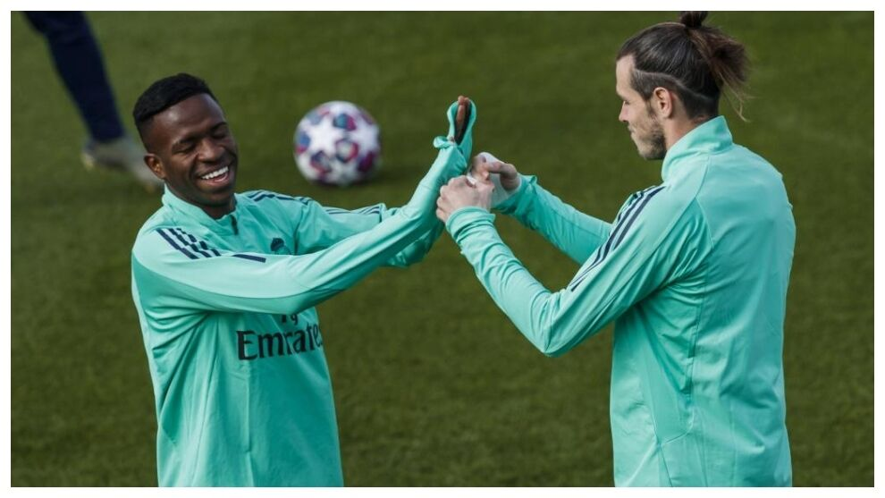 Vinicius passport for Bale