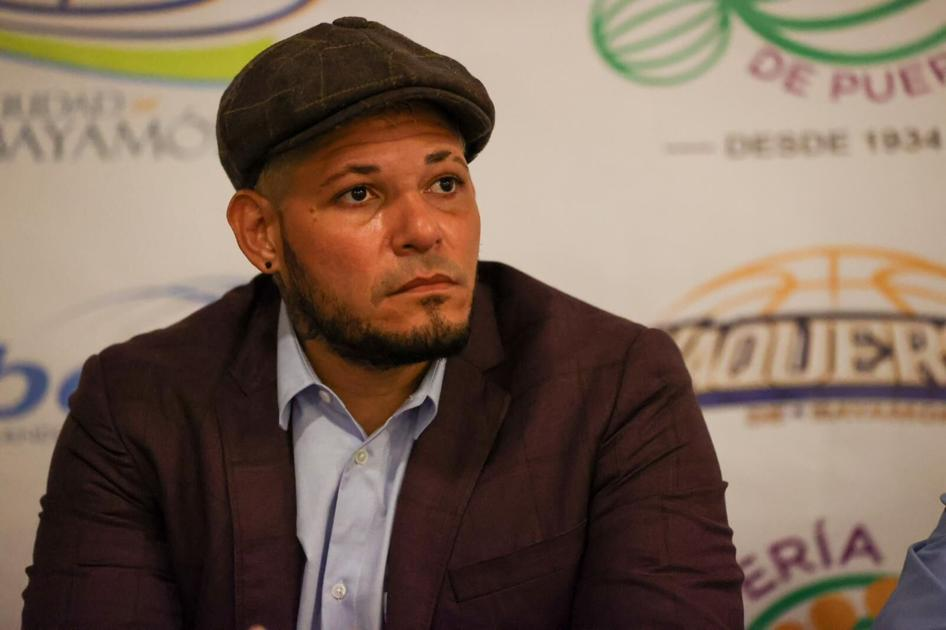 Yadier Molina is still waiting for the school he bought from the government