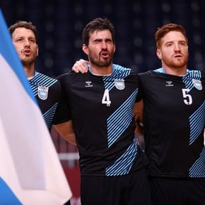 The Gladiators: fall against Spain and farewell to two historical