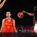 The Spanish women's basketball team defeats Canada and goes to the quarterfinals as the first in the group