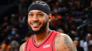 Carmelo joins LeBron and Lakers with 1-year contract