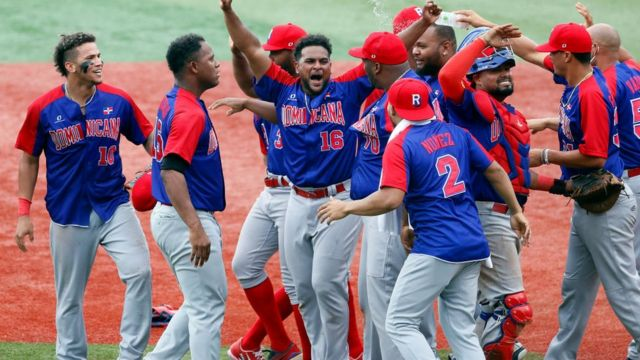 Dominican Republic celebrates its victory against South Korea.
