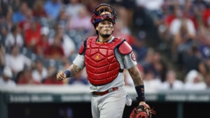 Does Yadier Molina deserve a contract extension with the St. Louis Cardinals?