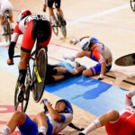 The shocking multiple fall of cyclists in Tokyo 2020
