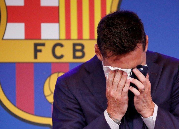 Messi, the tears of goodbye. REUTERS / Albert Gea