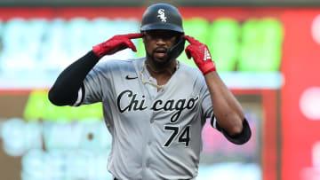 Chicago celebrates that Eloy Jiménez is on