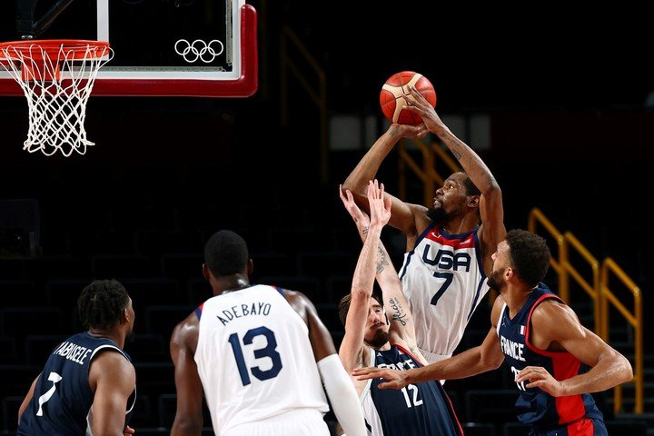 Durant in action.