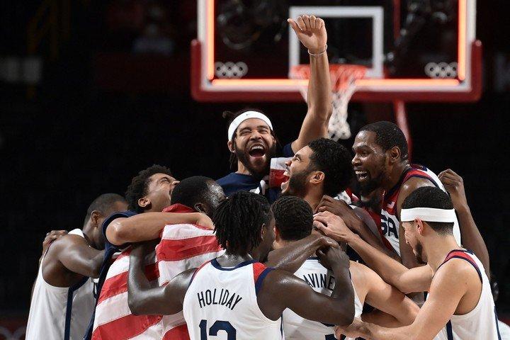 The NBA celebrate the title. Photo Aris MESSINIS / AFP