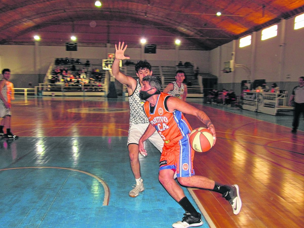Deportivo Roca and Del Progreso open the final series of the Basketball Association