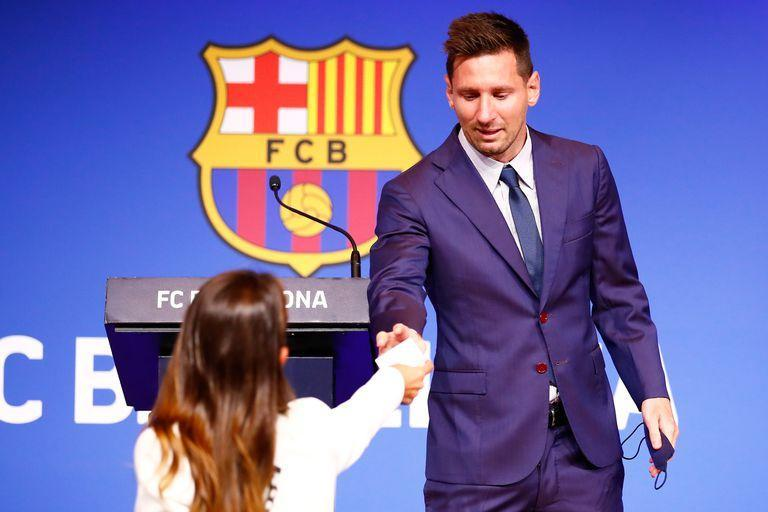 The & # xed; intimate gesture of Antonela Roccuzzo with Lionel Messi in his farewell to FC Barcelona