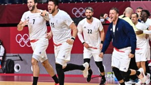 Allez les Bleus: The incredible night of the French teams | Finalists in handball, basketball and volleyball on the same day