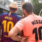 Barcelona fans can still buy Messi's 10 shirt, and Puebla adds it to their virtual store