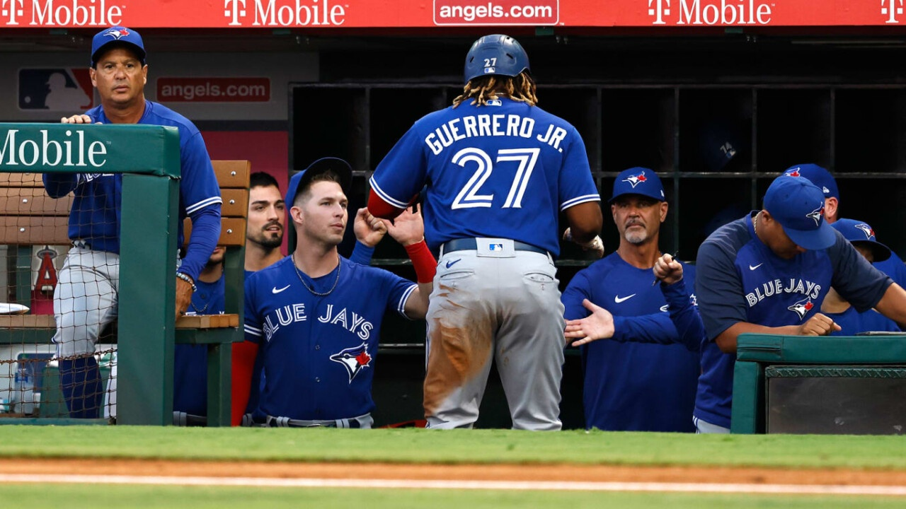 Blue Jays get up early to split double game