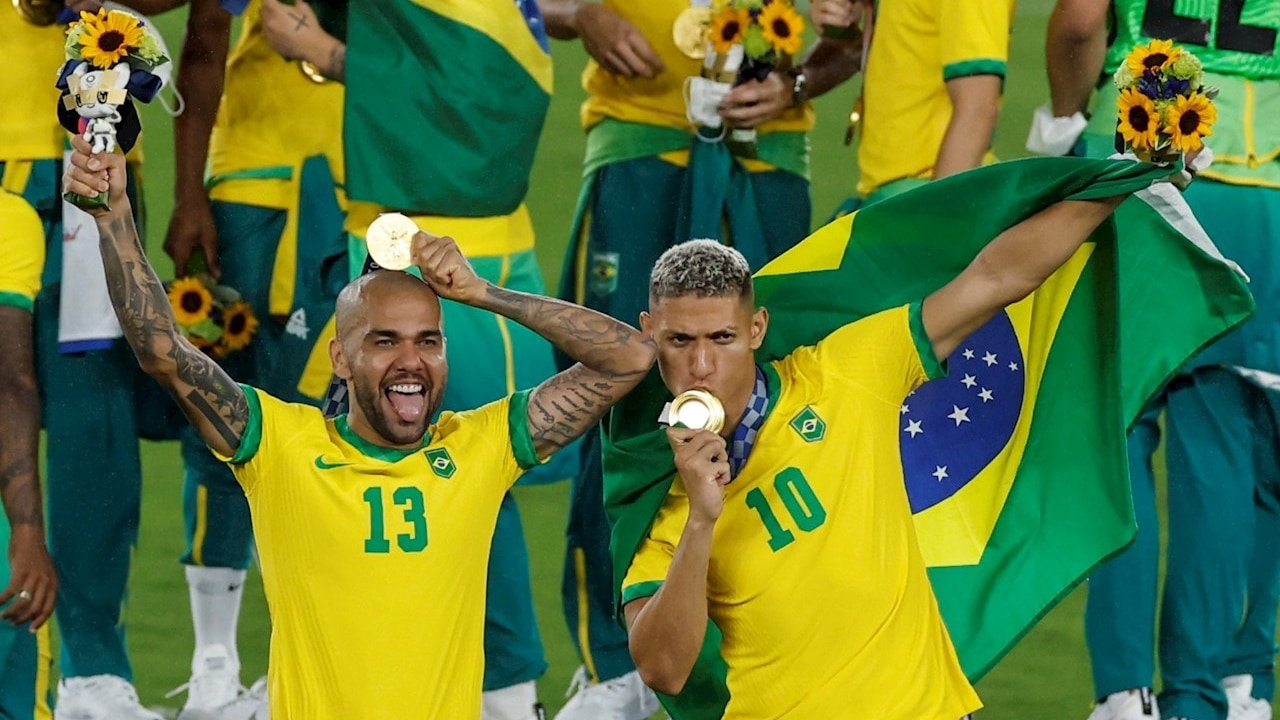 Brazil repudiates its soccer team after winning Gold in Tokyo