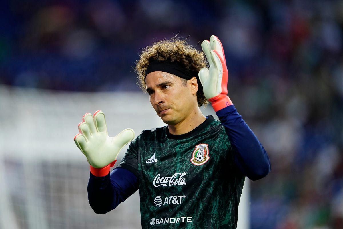 Brazilian fans mock Memo Ochoa after Mexico's elimination in Tokyo