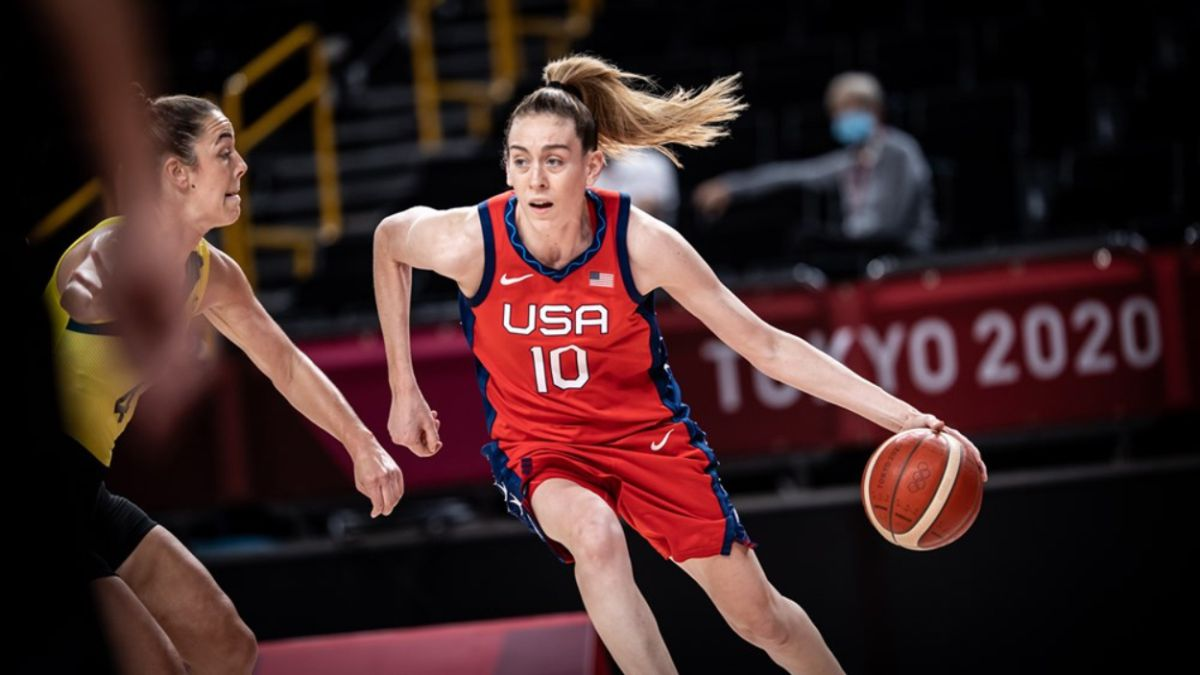 Breanna Stewart guides USA Womens Basketball to semifinals with win