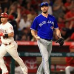 Brewers gets reliever John Axford from Blue Jays