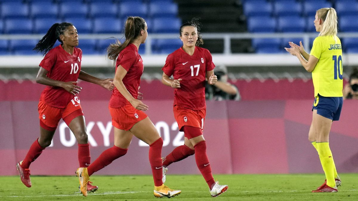 Canada dresses in gold in the penalty shoot out against Sweden