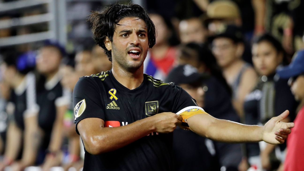 Carlos Vela without a contract but with a promise