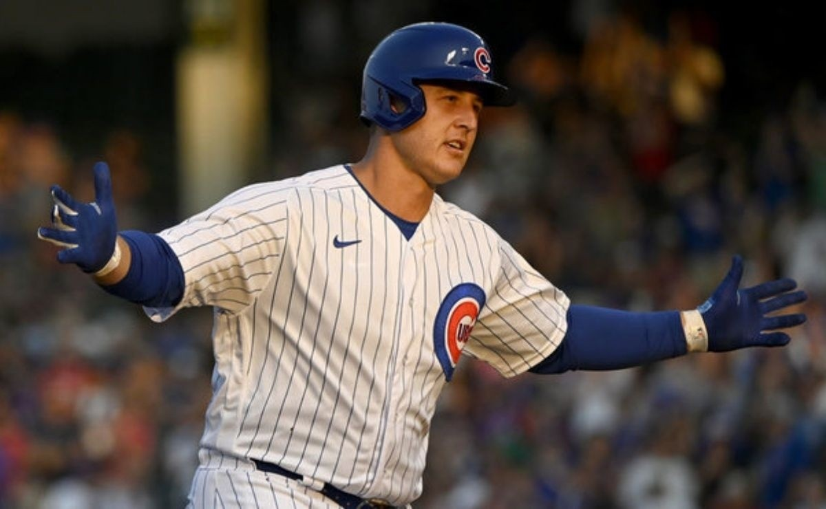 Clinging Cubs continue to search for Anthony Rizzo after game