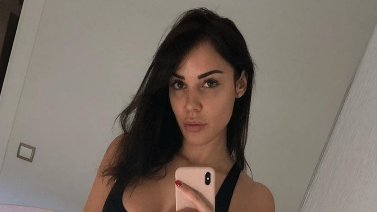 Cristina Morales Gary Medels wife raises the temperature with her