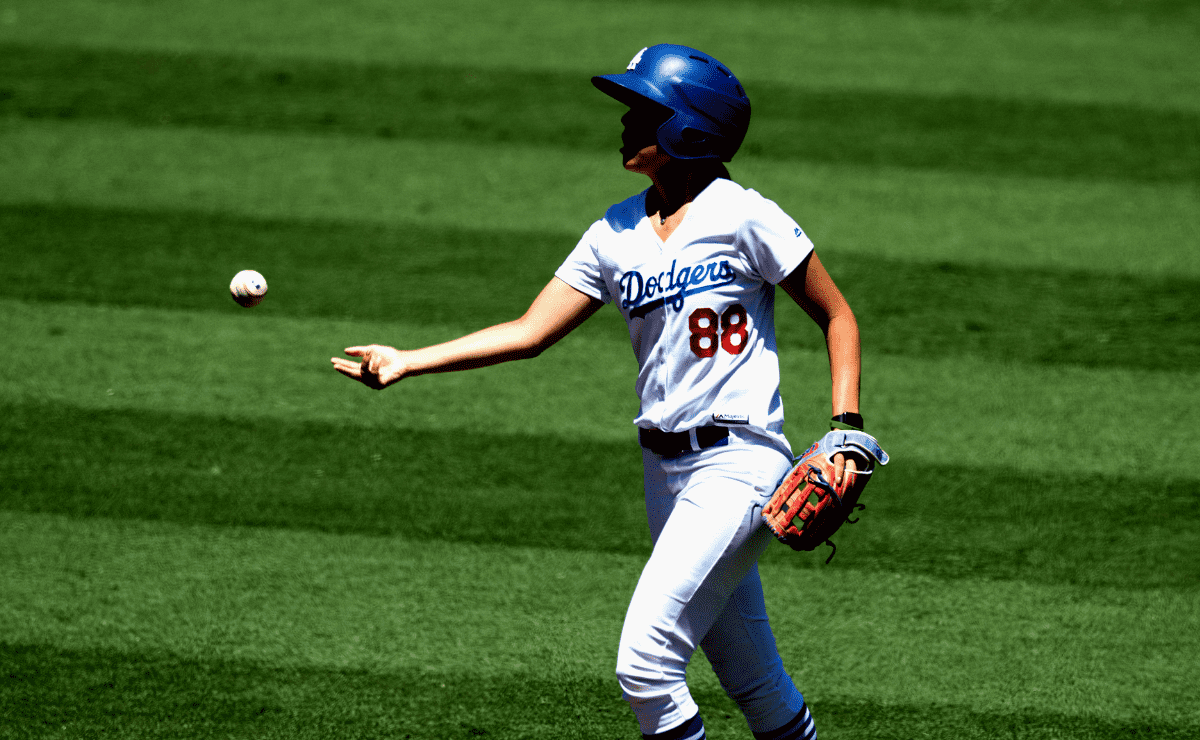 Dodgers ball girl goes viral after tackling NFL fan who took the field