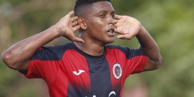 FAS thrashed Santa Tecla and started the Apertura with the right foot