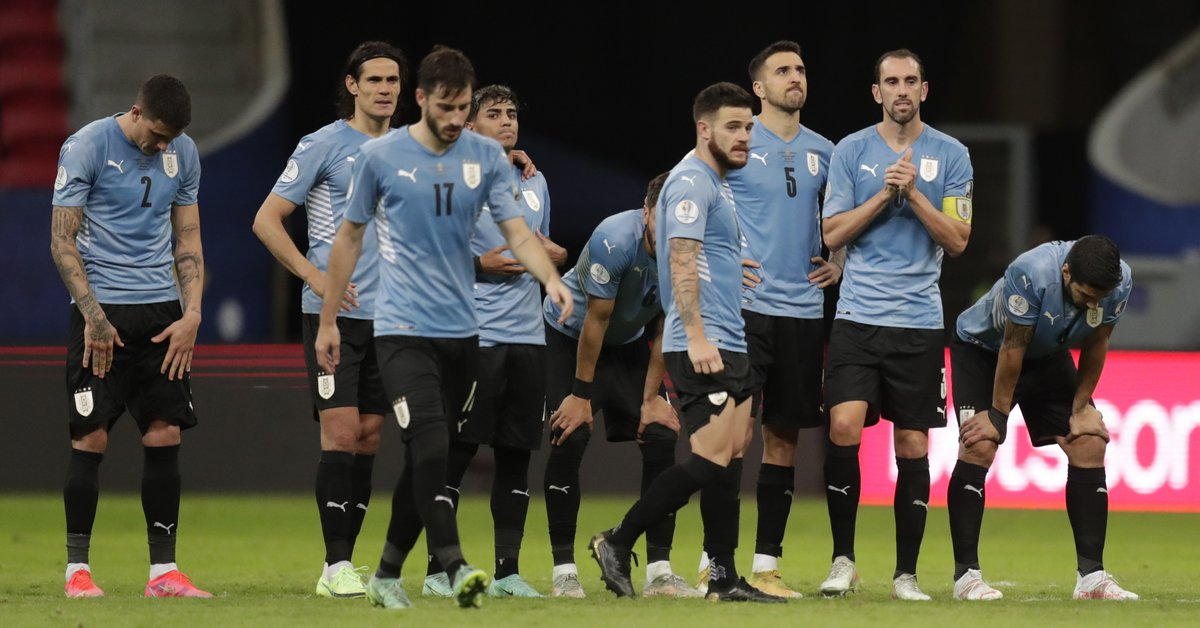 FIFA ordered Uruguay to remove two stars from its shield