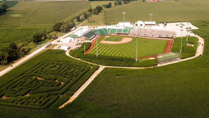 Field Of Dreams Cairo Honored For Directing Movie Game