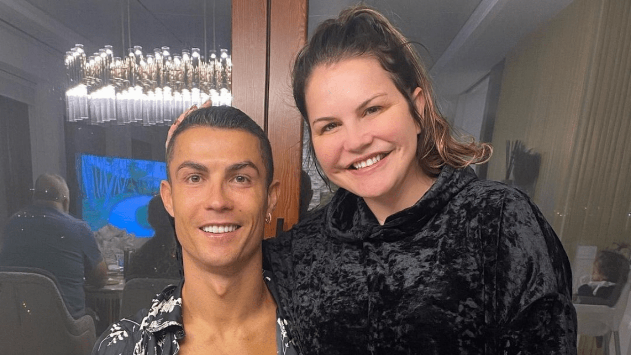 From the hospital Cristiano Ronaldos sister spoke about his health