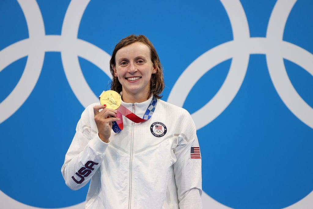 How much money do athletes earn for gold silver and