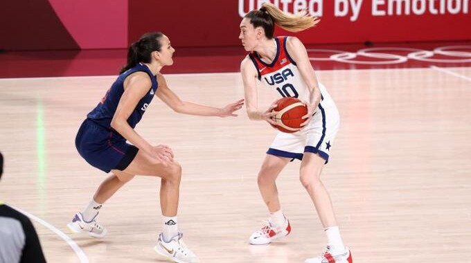 Japan destroys France and will play the women's basketball final against the United States