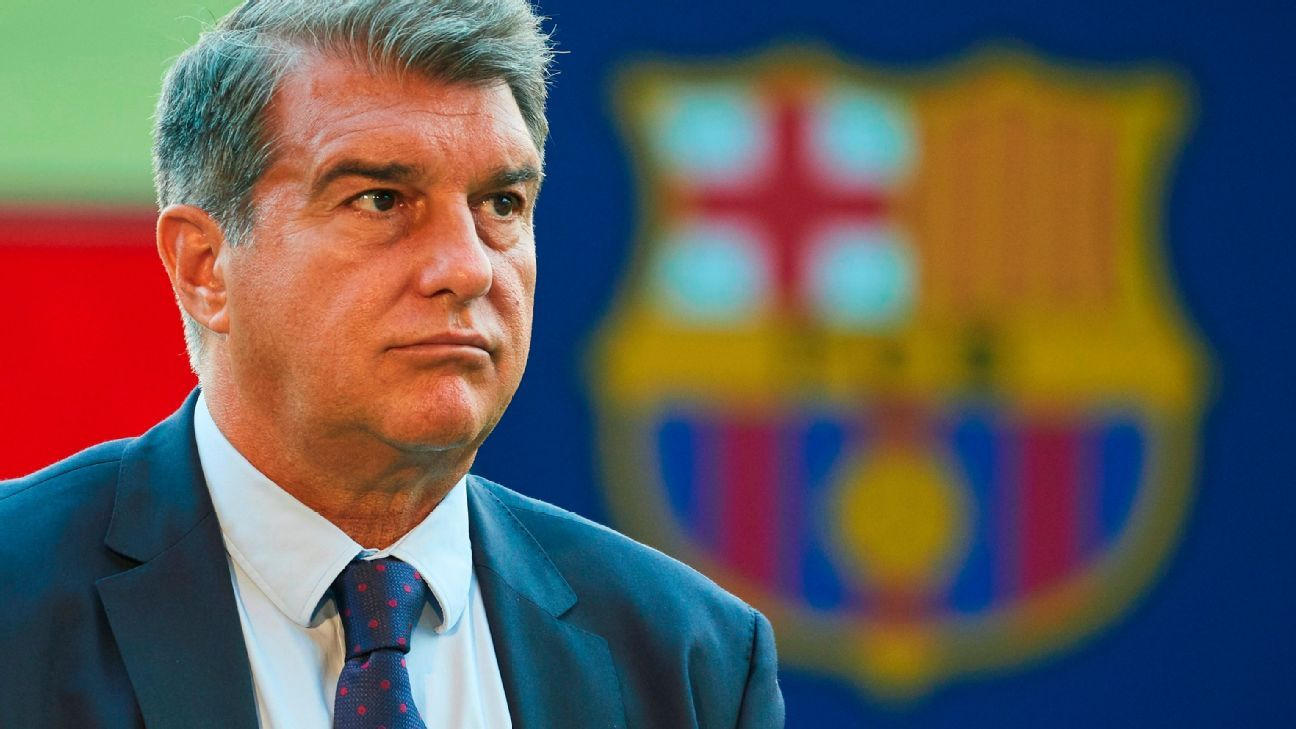 Joan Laporta admits that Messis renewal would have put the