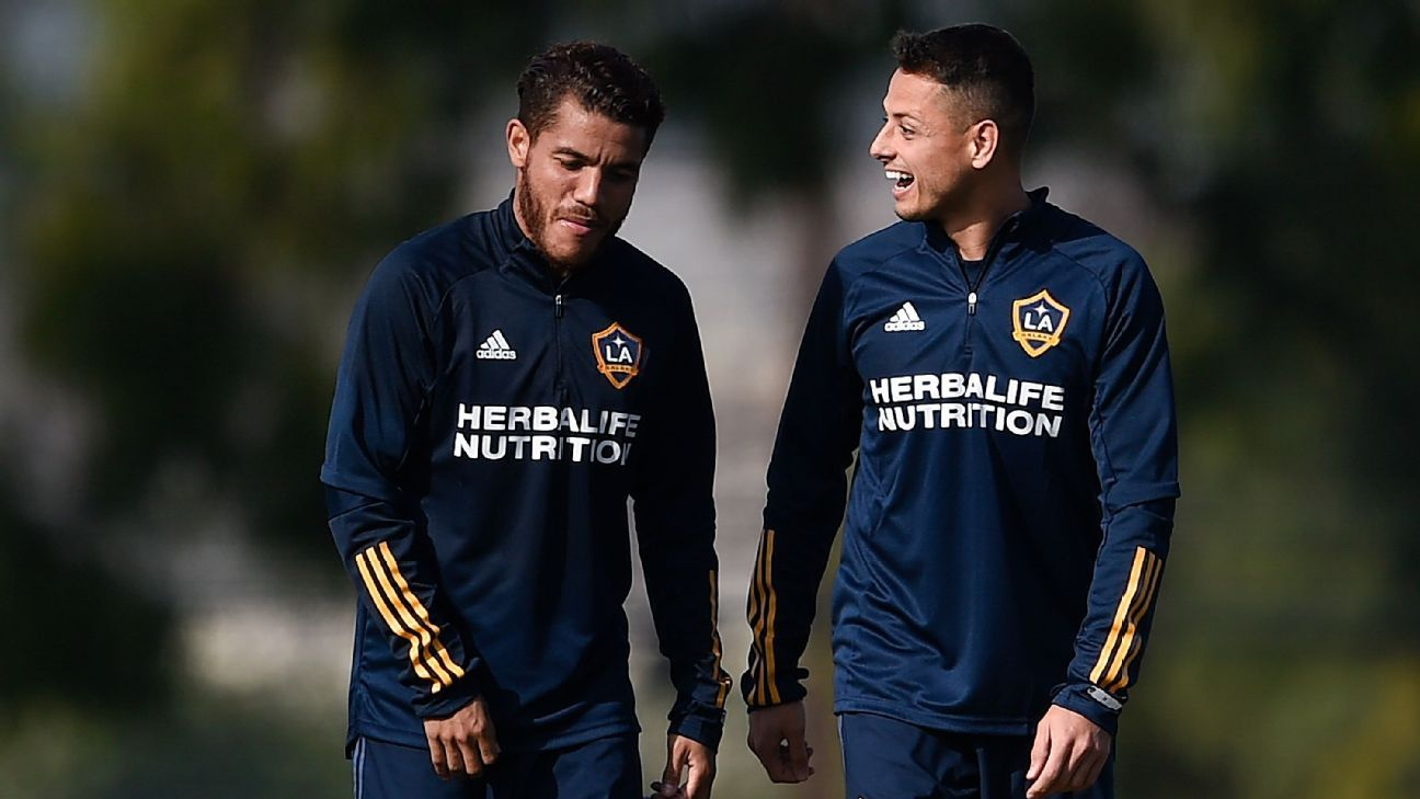 Jona Dos Santos returns with the Galaxy Chicharito is not