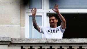 "Koeman says ""Messi's book should be closed"""
