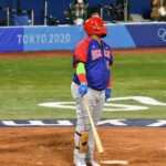 Korea beats Dominican Republic and continues on path to baseball medals