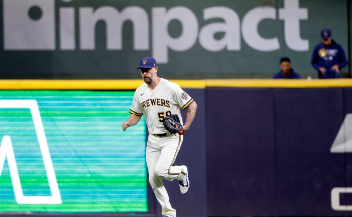 MLB Out 27 for the Ax Man Brewers lose iconic