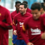 Messi will not report with Barcelona until he fixes his new contract