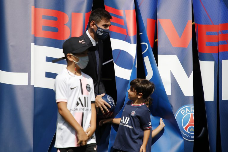Messis children steal the spotlight in their presentation with PSG