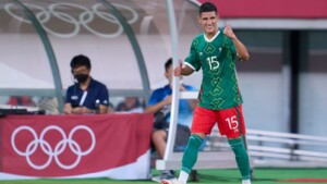 Nery Castillo assures that they expect a response from Olympiakos for Uriel Antuna