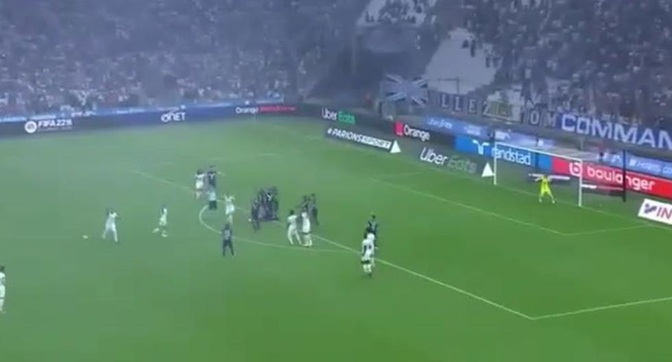 Second time in his career: Samuel Kalu collapses in the middle of the game against Marseille [VIDEO]