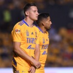 Thauvin, sent off with Tigres in his debut against Santos