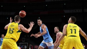 The national basketball team was beaten by Australia and closed a Games for oblivion | It was 59-97 against a tremendous team; heartfelt appreciation to Scola on the ending