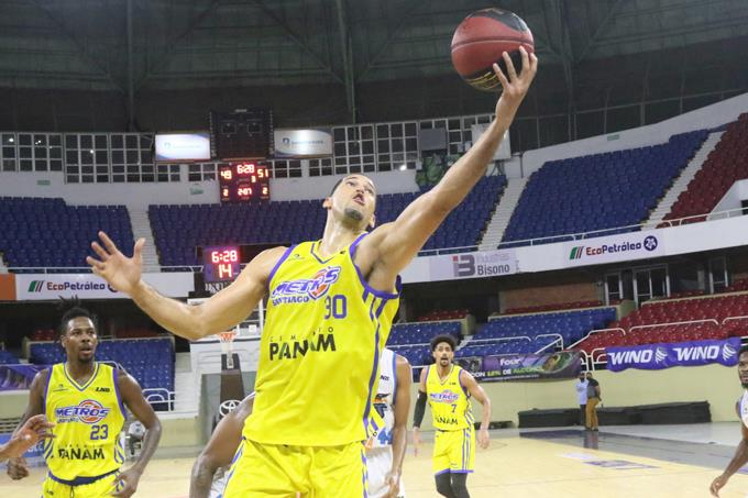 Vargas and Francis lead the victory of the Metros
