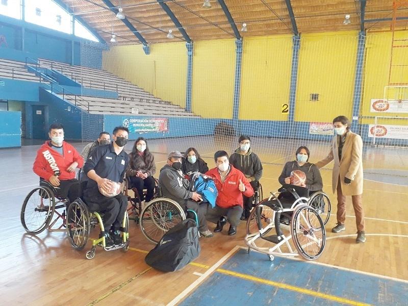 Wheelchair Basketball Club receives sports equipment