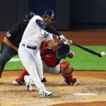Yankees-Aaron Hicks on injury: Couldn't even hold a bat