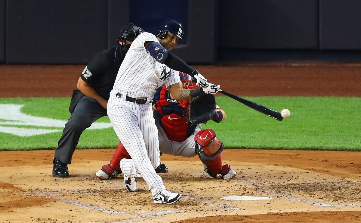 Yankees Aaron Hicks on injury Couldnt even hold a bat